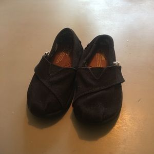 Toms canvas shoes toddler size 6